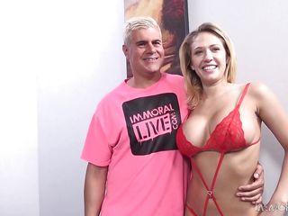 Порно би толпой